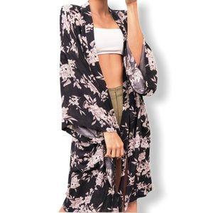 SPIRITUAL GANGSTER Maya Kimono Floral Black